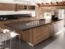 ilot cuisine bois cuisine en placage de bois avec îlot fiamma by ged cucine by ged