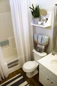 apartment bathroom ideas 25 best ideas about rental bathroom on bath mat