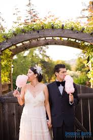 cotton candy wedding favor wedding trend spotting cotton candy globetrotting