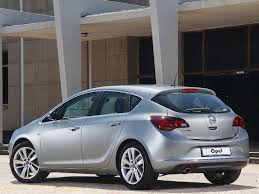 opel holden opel astra review u0026 ratings design features performance