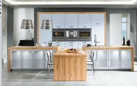 cuisine contemporaine blanche et bois cuisine blanche et bois le mariage parfait pour une ambiance