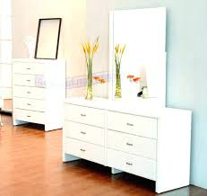 Dressers For Small Bedrooms Small Bedroom Dresser Dresser Small Corner Bedroom Dresser Bemine Co