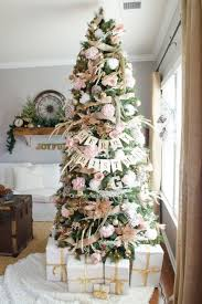 White Christmas Tree With Gold Decorations Pink And Gold Floral Christmas Tree Christmas Tree Christmas