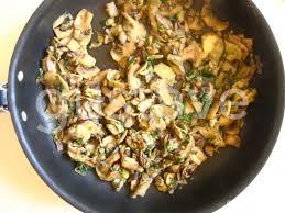 comment cuisiner chignons frais poêlée de chignons persillés la recette gustave
