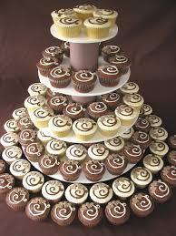 halloween cupcake stands 30 luscious wedding cupcakes