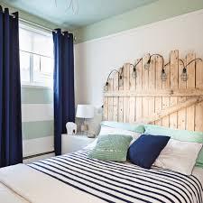 chambre d une ado chambre d ado rafraîchie à peu de frais chambre avant après