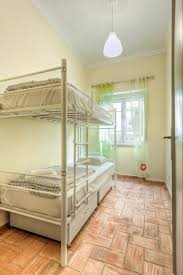 bed in 2 bed female dormitory room loulé coreto hostel