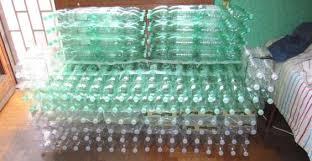 divanetti fai da te bottle sofa project come realizzare un divano di bottiglie di