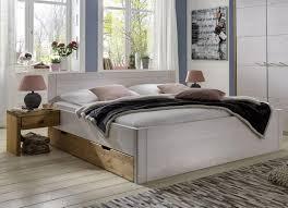 Schlafzimmerschrank Pinie Massiv Massivholz Schlafzimmer Im Landhausstil Kiefer Weiß Lasiert Modell