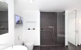 badezimmer auf kleinem raum badezimmer auf kleinstem raum bad in der dachschrge eleganz auf