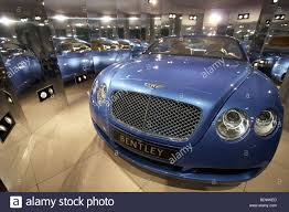 metallic pink bentley bentley motors car expensive stock photos u0026 bentley motors car