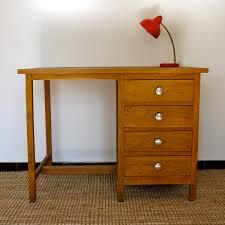 bureau en bois enfant jaune moutarde bureau en bois quatre tiroirs enfant