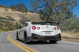 nissan gt r nismo 11th place 2017 motor trend best driver u0027s car