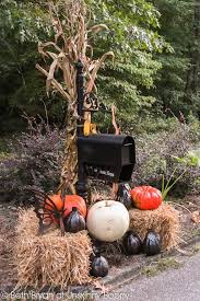 Metal Outdoor Halloween Decorations by Best 25 Mailbox Decorating Ideas On Pinterest Mailbox