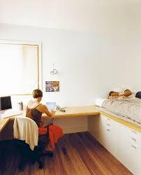 Designer Arbeitstisch Tolle Idee Platz Sparen Ideen Mit Bett Und Schreibtisch Als Platzsparende Einrichtung