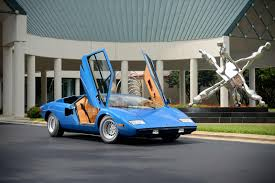 classic lamborghini countach 1975 lamborghini countach lp400 periscopo sells for 1 2 million
