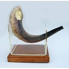 rams horn shofar shofar and shofers ram s horn shofars for rosh hashana at zion