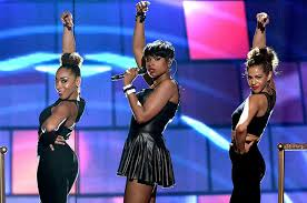 jennifer hudson performs u0027walk it out u0027 u0027it u0027s your world u0027 at the