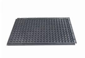 tapis extérieur en pvc robuste drainant et antidérapant