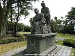garden statues exhort me