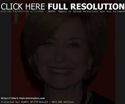 round face hairstyles for women over 40 en flower