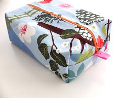 How To Make A Cushion With Zip Zippered Wash Bag Pattern Make A Gift From One Mother To Another