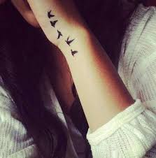 the 25 best hand tattoos for women ideas on pinterest pretty
