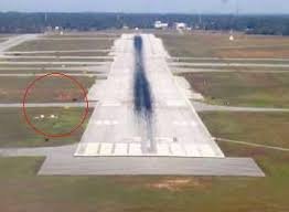 model airport runway lights visual approach slope indicator wikipedia