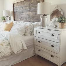 Wall Decor For Bedroom by 65 Cozy Rustic Bedroom Design Ideas Digsdigs