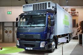 volvo truck 2016 file volvo fe cooling truck jpg wikimedia commons