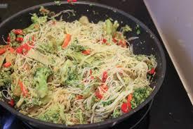 cuisiner vermicelle de riz vermicelles de riz aux légumes socca cuisine
