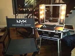 Professional Makeup Artist Lighting Nyx X Large Makeup Artist Train Case W Lights Review Mugeek