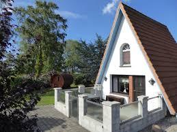 idyllisches finnhaus mit außensauna und schönem garten