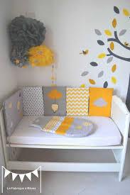 hibou chambre bébé sur commande stickers arbre hibou et collection avec decoration