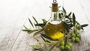 cuisiner à l huile d olive huile d olive les bienfaits de cette huile végétale cosmopolitan fr