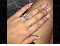 kendra wedding ring nba s julius randle i m engaged check out the rock tmz