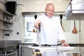 la cuisine des mousquetaires anguille la cuisine des mousquetaires lovely maite cuisine awesome cuisine