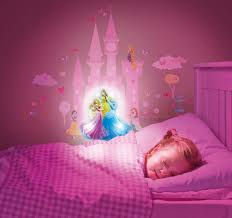 deco chambre princesse disney stickers lumineux princesse disney lestendances fr