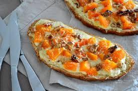 cuisiner du potimarron recette de tartines potimarron noix et crème au bleu la recette