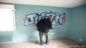 tag pour chambre graffeur ch prénom graffiti au spray pour chambre d enfant en