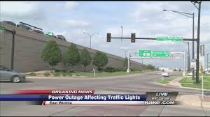 light that comes on when power goes out power outage affecting traffic lights youtube