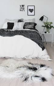 Small Bedroom Rug Ideas 35 Timeless Black And White Bedrooms That Know How To Stand Out