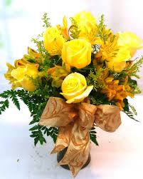 golden roses same day delivery golden roses r 1719 flowers plants gifts