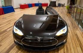 Car Office Desk 70 000 Tesla Model S Turned Into Office Desk Named Deskla