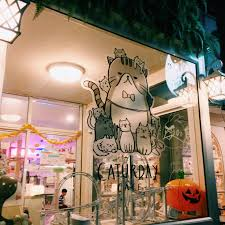 Kitschy Decor I Went To A Bangkok Cat Cafe U2013 Natalie B Compton