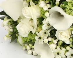 wedding flowers cost uk simple ways to reduce the cost of your wedding aphrodite weddings