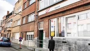 bureau de poste evere qui fait le pont les banques ouvertes pas les bureaux de poste