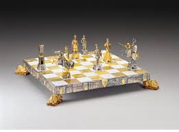veneziani medioevali medieval venice gold silver themed chess set