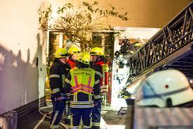 Jugendfeuerwehr Wiesbaden112 De Gebäudebrand In Niederwalluf U2013 Anwohner Bei Löschversuchen