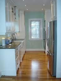 Galley Kitchen Designs Pictures by Best 25 Galley Kitchen Layouts Ideas On Pinterest Galley